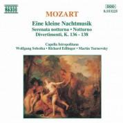 Mozart: Kleine Nachtmusik (Eine) / Serenata Notturna / Divertimenti - CD
