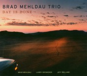 Brad Mehldau Trio: Day Is Done - CD