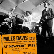Miles Davis: At Newport 1958 + 5 Bonus Tracks - CD